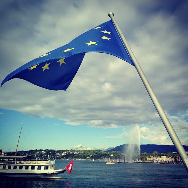 118-6  eu_flag_pont_mont_blanc